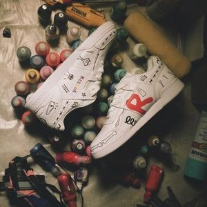e2b7f252a16973 Reebok Shoes - Reebok Classic Trouble Andrew Gucci Ghost