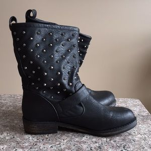 EUC Sketchers studded boot