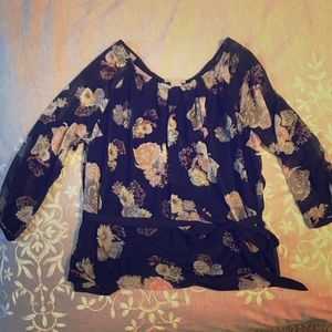 H&M blouse size small.