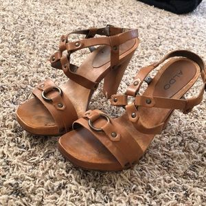 Aldo wood and leather buckle heels