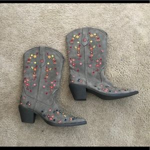 Floral Roper cowboy boots size 7.5