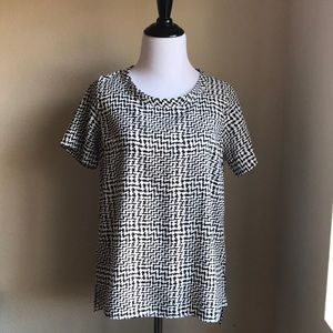 F21 Contemporary Patterned Blouse