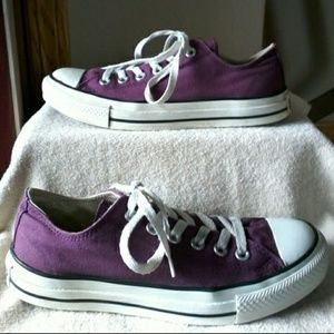 Converse ALL STAR  MAKE REASONABLE OFFER ☺