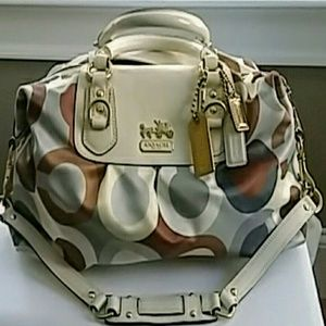 Excellent Condition Coach Handbag / Satchel