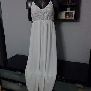 Lace/Chiffon Open Back Maxi Dress