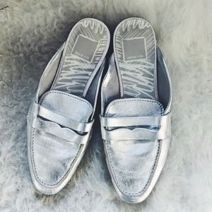 Dolce Vita Silver leather mule size 6. New!