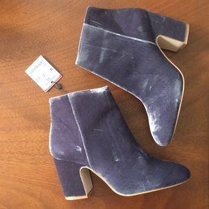 NEW Zara velvet ankle booties