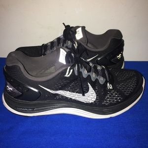 Women's Nike lunarglide 5 running shoe  Sz 9.5