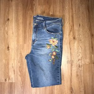 EMBROIDERED JEANS SIZE 8