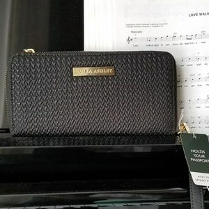 Laura Ashley voyageur travel wallet clutch
