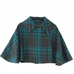 Express cape with sleeves plaid print