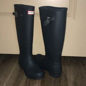 Hunter Tall Rain Boots 6