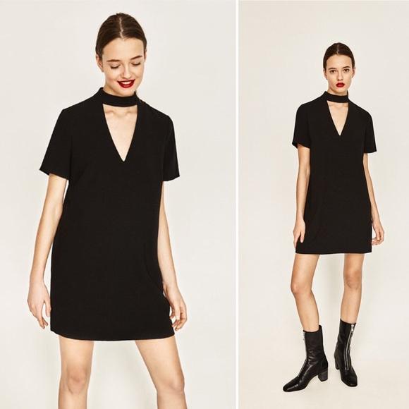 83f9f246 Zara | Mini Shift Dress with Choker Collar. M_5a316c0fbf6df50264014921
