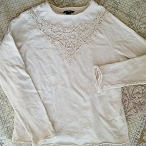 ADORABLE cream sweatshirt