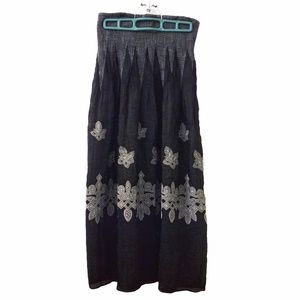 Lapis black/white maxi skirt