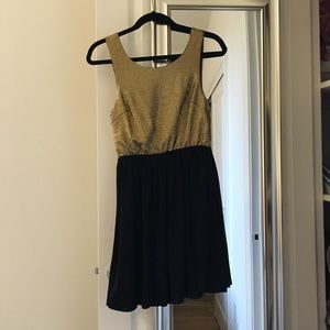 Alice Moon sleeveless crepe gold and black dress