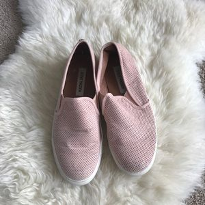 Steve Madden  9 pink slip on sneakers flats shoes