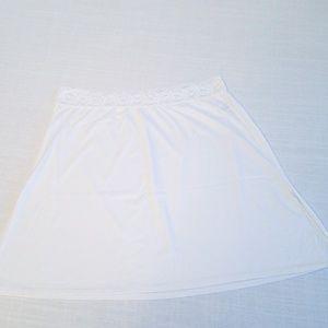 Vasserette White Slip