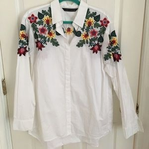 🌼ZARA🌼 embroidered floral button down