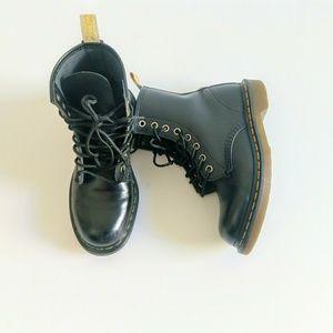 Doc Martens Vegan 1460 combat boots