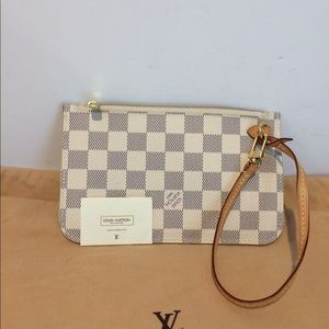 Authentic Louis Vuitton Neverfull clutch