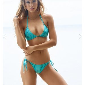 Beach bunny new with tags two pieces in aqua