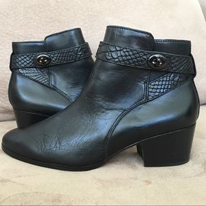 Coach Patricia Women's US 8.5 Black Ankle Boots