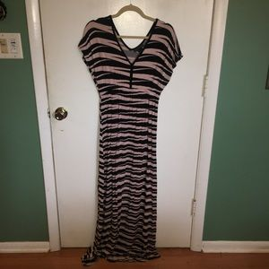 Design 365 Pink and Black striped Maxi dress
