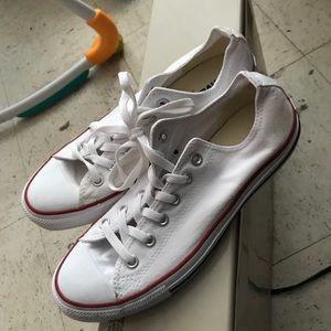 Converse low top white New no box
