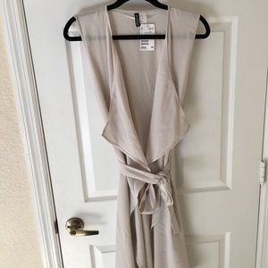 H&M Sleeveless Duster Jacket