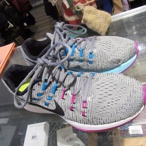 Women Nike Running Shoes!