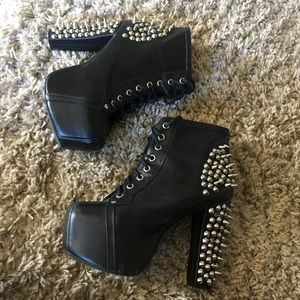 Black Leather Spiked Litas