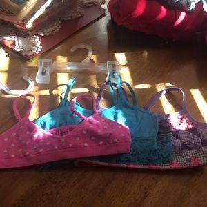 Bundle of 4 trainer bras little girls size6-7