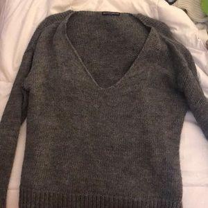 Sweaters - Brandy Melville grey sweater