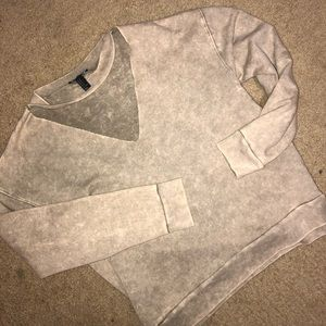 Sweaters - Vneck sweater