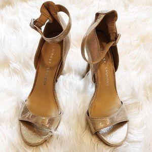NWOT Gold Chinese Laundry Heels - Size 6.5