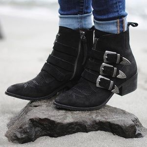 Dolce Vita Scott Triple Buckle Booties