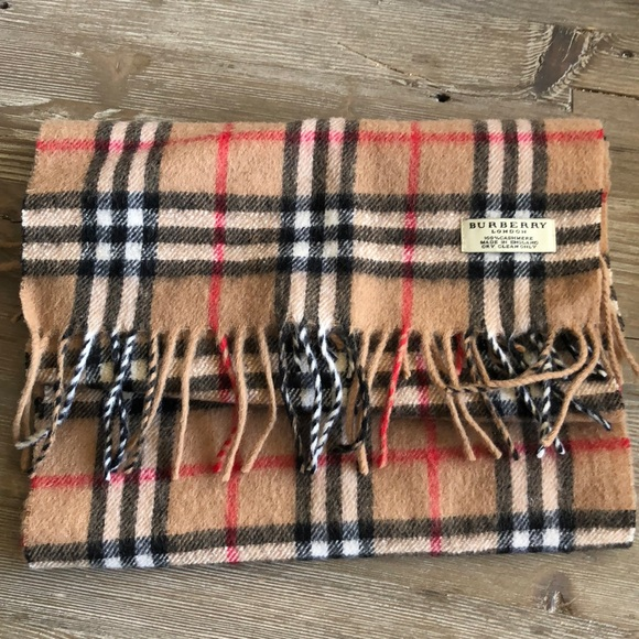 63b7f41332427 Burberry Accessories - Burberry Classic Vintage Check Scarf