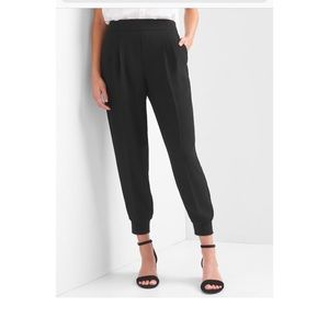 Gap Crepe Pleated Jogger