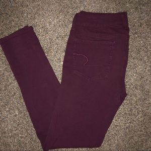 Maroon jeggings from AE