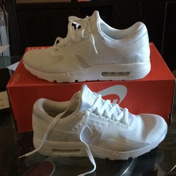 sports shoes aeb7c c3380 New nike air max zero essential men fashion NWT
