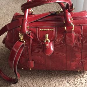 LONDON FOG CRANBERRY PATENT PURSE NEVER USED