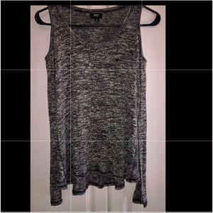 🎁NWOT. Black & White Mix Cold Shoulder LS Sweater