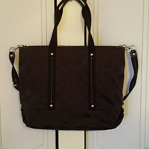 COACH TOTE PURSE HAND BAG OR CROSS OVER
