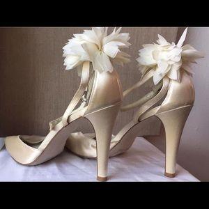 Calvin Klein gorgeous size 8 open toe 👠