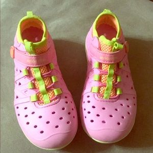Toddler Girl stride rite water shoes