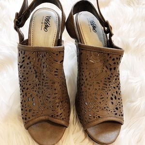 Mossimo Brown Heels - Size 7