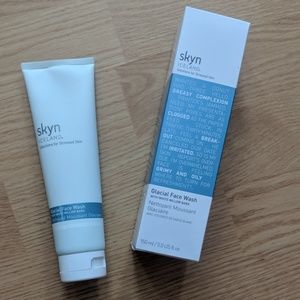 Skyn iceland glacial face wash