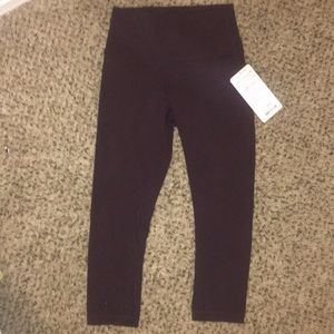Lululemon HR wunder under crops NWOT