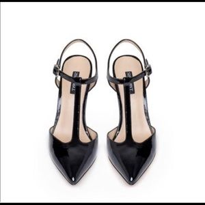 New In Box Mara Blk Patent Leather Pumps